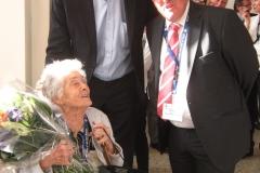Agnès Parodi (105 ans !) Dominique Dord (maire) et Beat Kaser (Consul Gal Lyon)